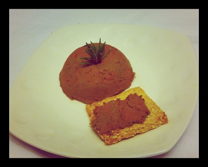 Paleo chicken liver and crackers